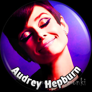 Audrey Hepburn - Retro Movie Star Badge/Magnet