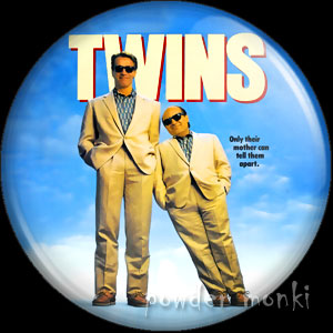 Twins - Retro Movie Badge/Magnet