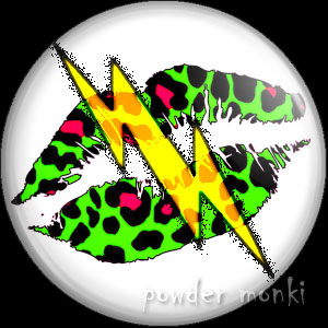Green Leopard Lips Lightning - Retro 80's Badge/Magnet