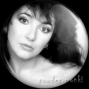 "Kate Bush ""The Whole Story"" - Retro Music Badge/Magnet"