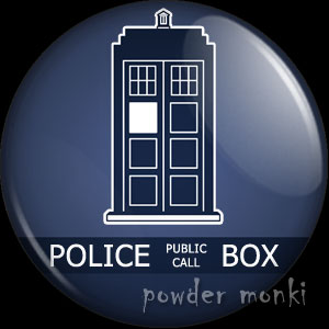 Doctor Who TARDIS - Retro Cult TV Badge/Magnet