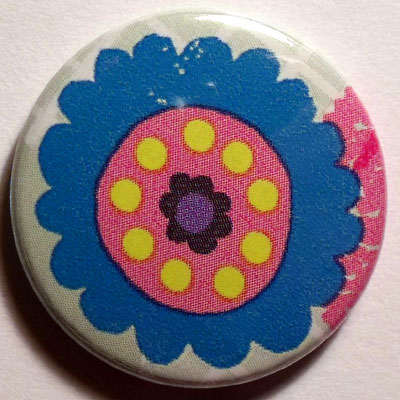 Blue Flower Cute Smiley Badge 25mm