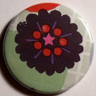 Black Flower Cute Smiley Badge 25mm