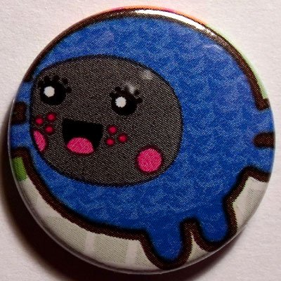 Blue Leaper Cute Smiley Badge 25mm