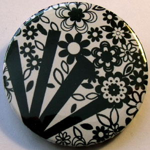Black & White Floral 38mm Badge 06