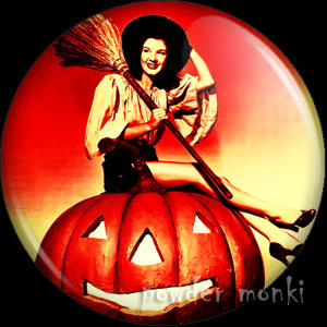 Peggy Ryan - Kitsch Witch Badge/Magnet