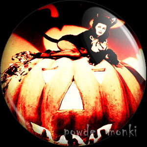 Yvonne De Carlo - Kitsch Witch Badge/Magnet
