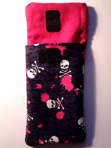 Skull & Crossbones Phone Case - Click Image to Close