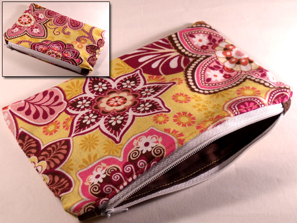 Raspberry Rose Paisley Flower Yellow Gold Make-up Bag