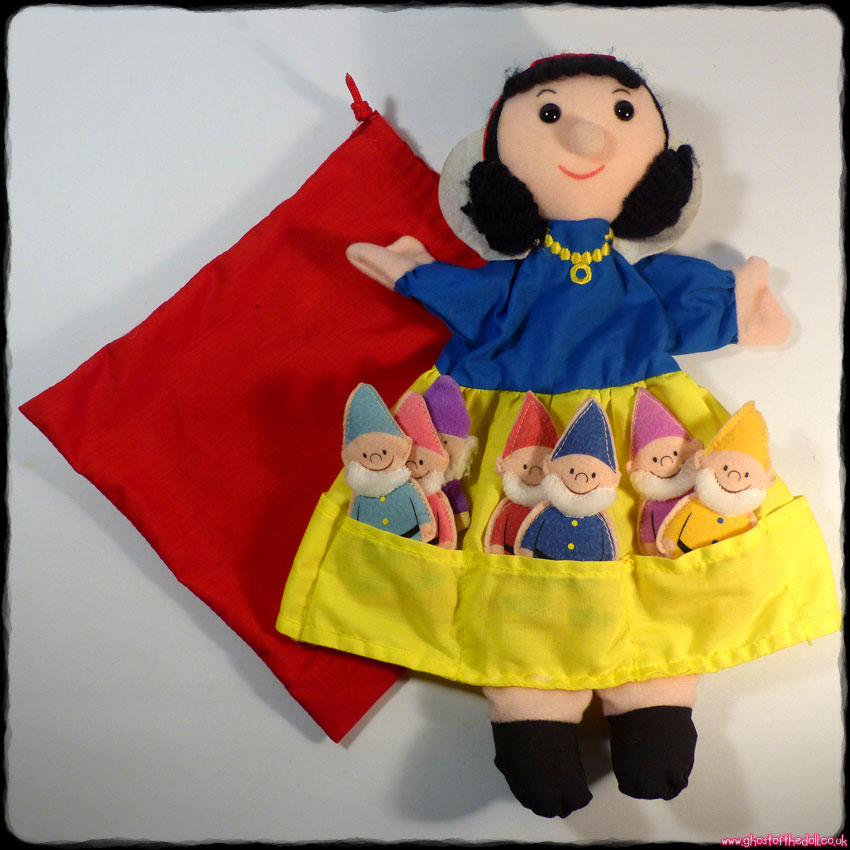 Snow White & The Seven Dwarfs - Hand Puppet (Fiesta Crafts)
