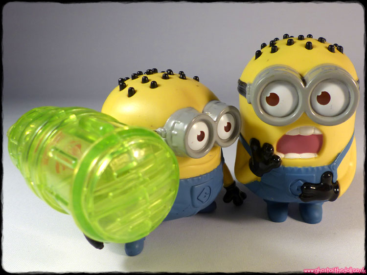 Mcdonalds Happy Meal Despicable Me 2 Minion Tom Googly Eyes Grabber figure mip